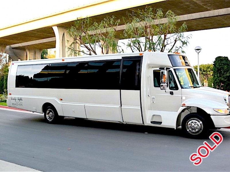 Used 2005 International Mini Bus Limo  - Westminster, California - $39,500