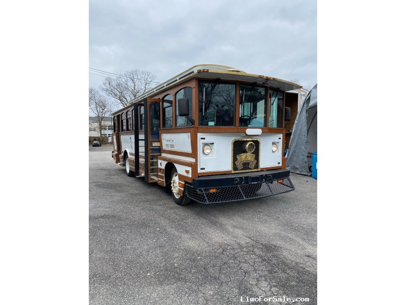 Used 2002 Freightliner Coach Trolley Car Limo LimoGuy Manufacturing - Commack, New York    - $35,000