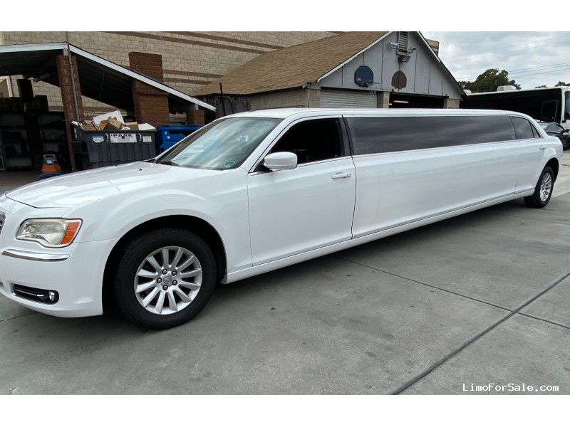 Used 2013 Chrysler 300 Sedan Stretch Limo Tiffany Coachworks - Buena Park, California - $27,500