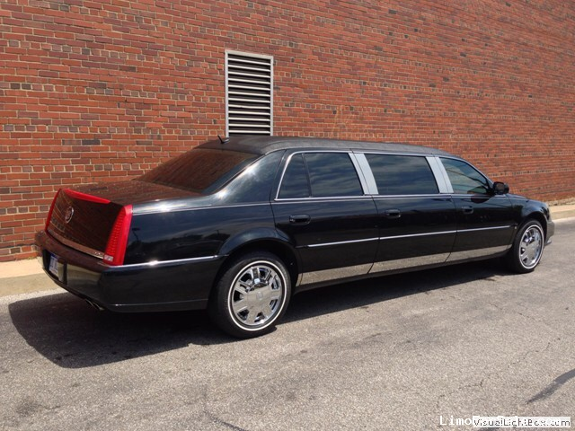 used 2006 cadillac dts funeral limo lcw cleveland ohio 33 500 limo for sale. Black Bedroom Furniture Sets. Home Design Ideas