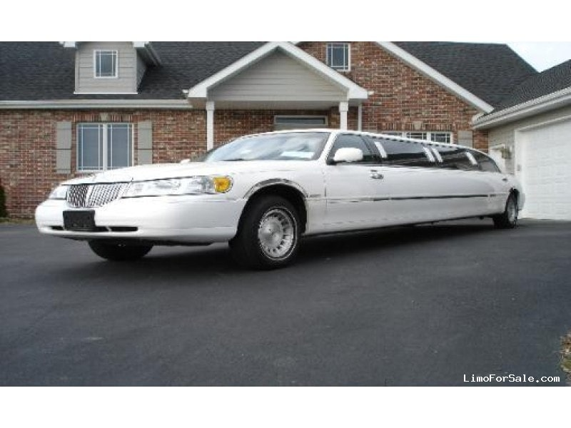 Used 2000 Lincoln Town Car Sedan Stretch Limo Krystal Lowell
