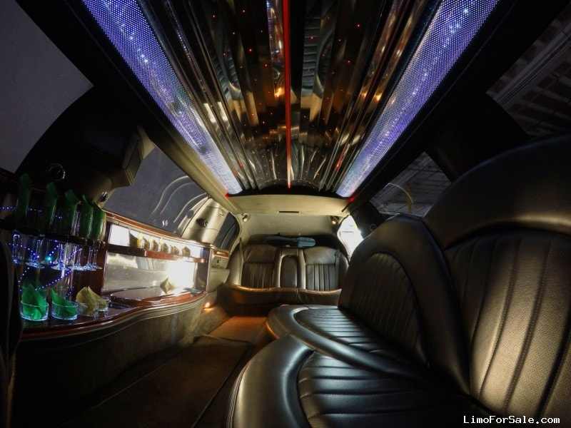 used 2010 lincoln town car l sedan stretch limo executive coach builders miami florida. Black Bedroom Furniture Sets. Home Design Ideas
