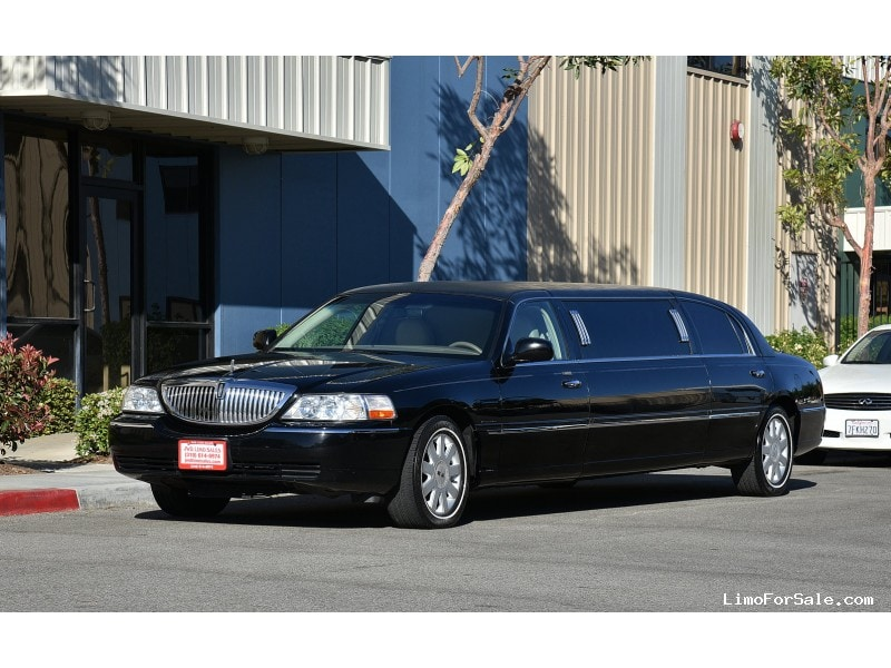 used 2005 lincoln town car sedan stretch limo krystal fontana california 8 995 limo for sale. Black Bedroom Furniture Sets. Home Design Ideas