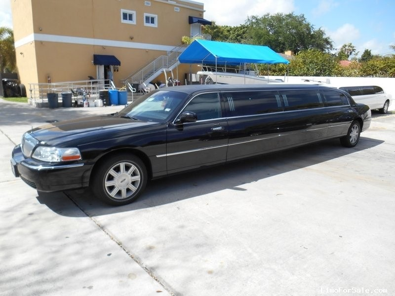 used 2011 lincoln town car sedan stretch limo executive coach builders miami florida. Black Bedroom Furniture Sets. Home Design Ideas