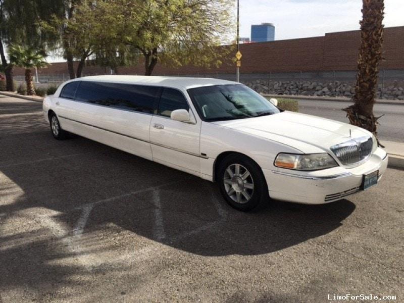 used 2008 lincoln town car sedan stretch limo tiffany coachworks las vegas nevada 8 990. Black Bedroom Furniture Sets. Home Design Ideas