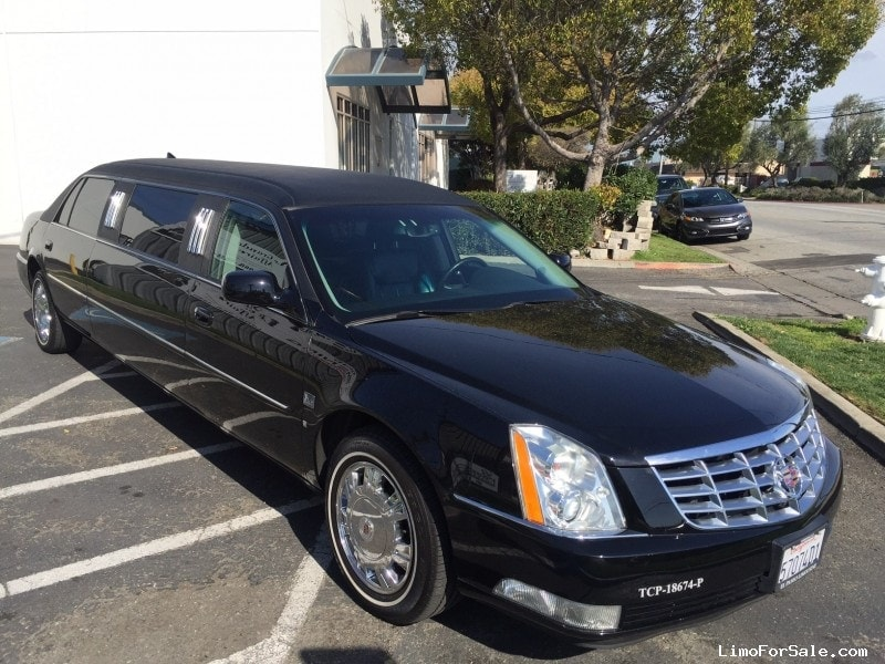 used 2009 cadillac dts sedan stretch limo lcw 26 500. Black Bedroom Furniture Sets. Home Design Ideas