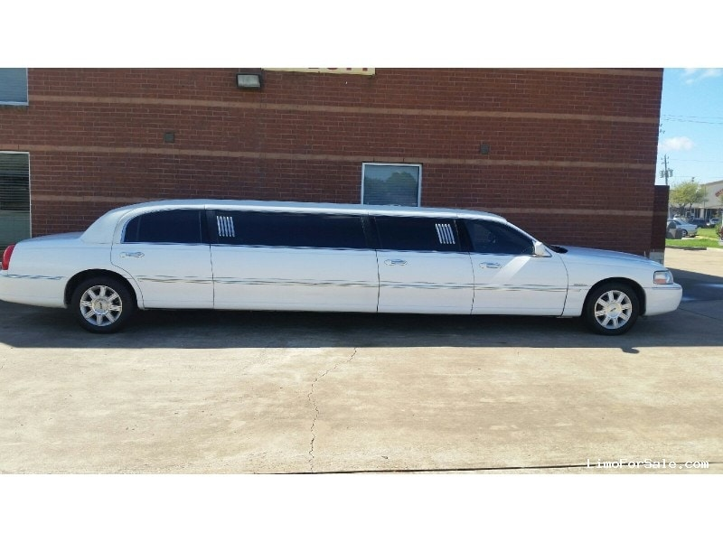 used 2007 lincoln town car sedan stretch limo houston texas 24 500 limo for sale. Black Bedroom Furniture Sets. Home Design Ideas