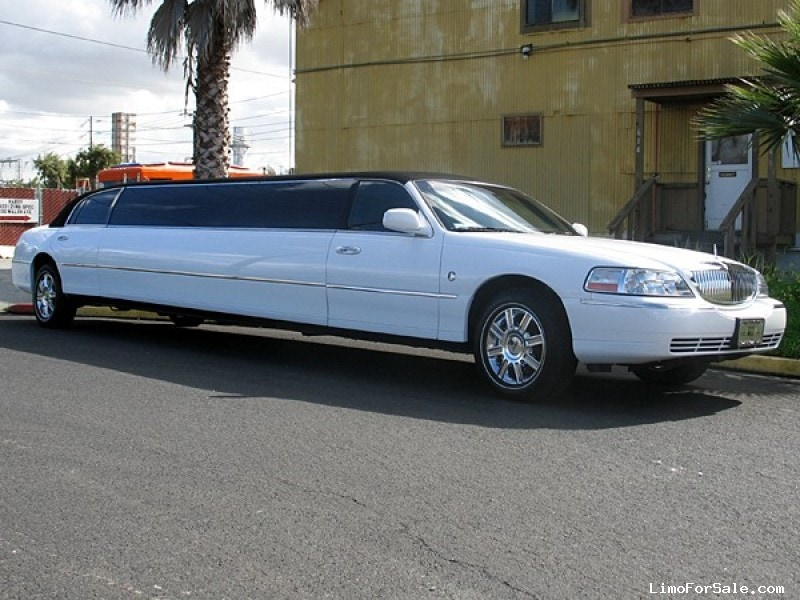 used 2007 lincoln town car sedan stretch limo lime lite coach works 22 000 limo for sale. Black Bedroom Furniture Sets. Home Design Ideas