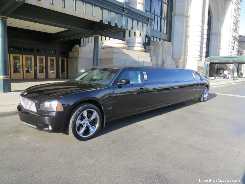 used 2006 dodge charger sedan stretch limo royal coach builders kansas city missouri. Black Bedroom Furniture Sets. Home Design Ideas