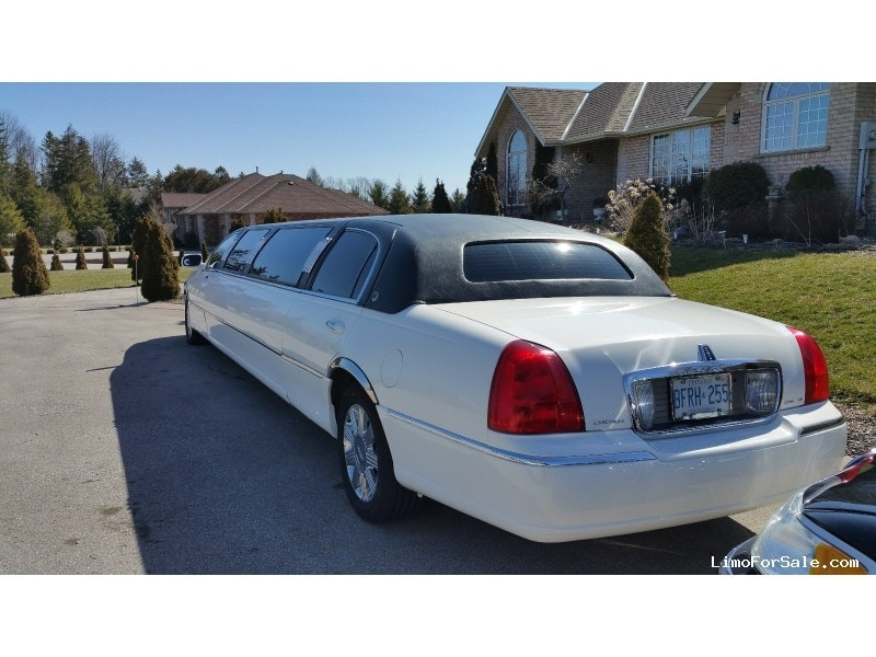 used 2004 lincoln town car sedan stretch limo lcw. Black Bedroom Furniture Sets. Home Design Ideas