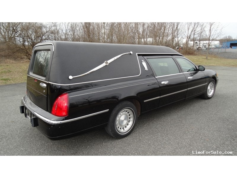 Used 2001 Lincoln Town Car Funeral Hearse Federal Plymouth Meeting