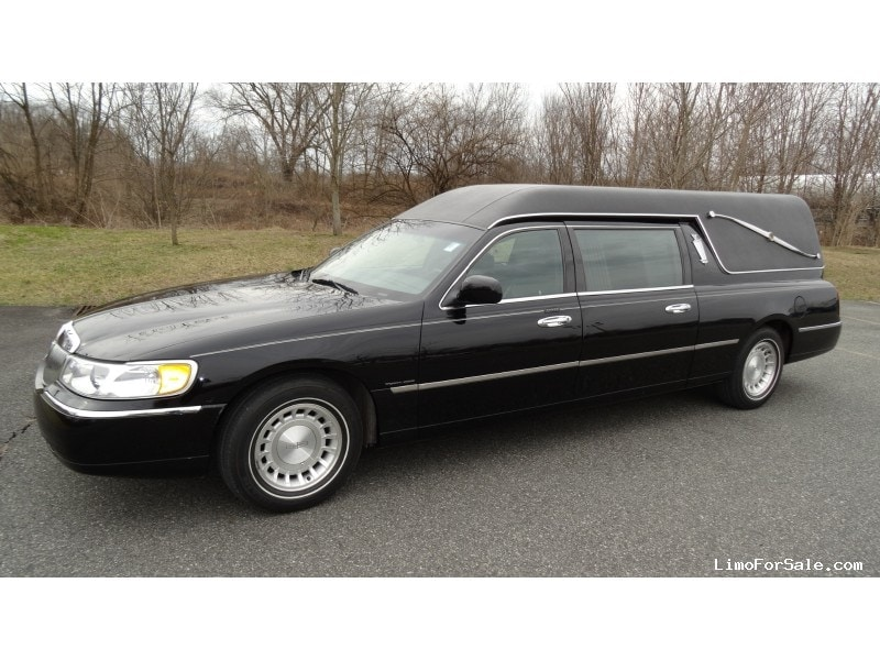 Used 2001 Lincoln Town Car Funeral Hearse Federal