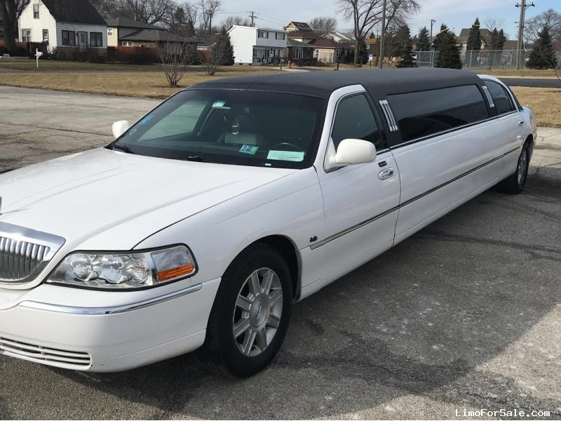Used 2008 Lincoln Town Car Sedan Stretch Limo Empire Coach - Bridgeview, Illinois - $12,000