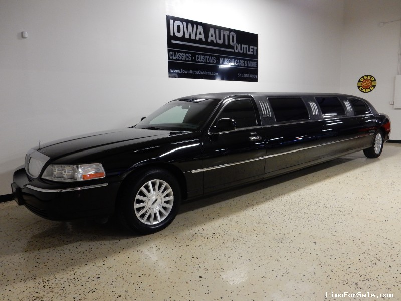 used 2004 lincoln town car sedan stretch limo viking grimes iowa 19 995 limo for sale. Black Bedroom Furniture Sets. Home Design Ideas