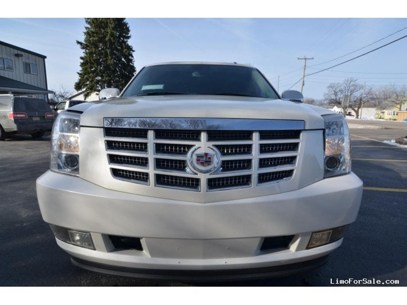 Used Cadillac Escalade Suv Stretch Limo Royale North East