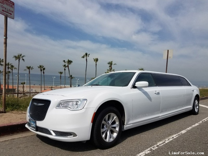 Limos For Sale >> Used 2016 Chrysler 300 Sedan Stretch Limo American ...
