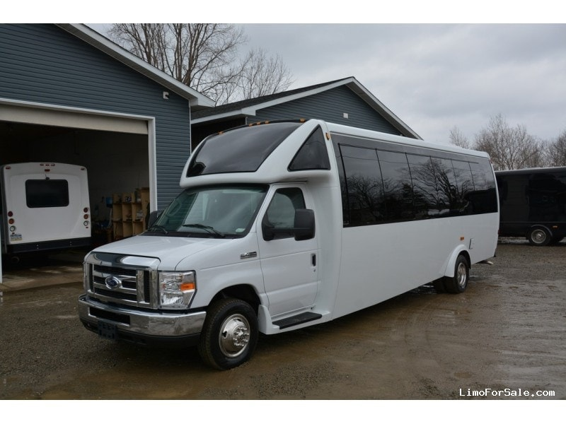 New 2018 Ford E-450 Mini Bus Limo  - North East, Pennsylvania - $96,900