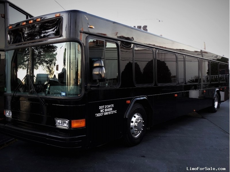 Used 1999 Gillig Phantom Motorcoach Limo ABC Companies - Houston, Texas - $47,500