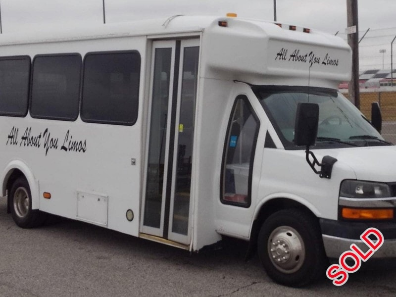 Used 2010 Chevrolet C4500 Mini Bus Shuttle / Tour Glaval Bus - Columbia, Illinois - $12,500
