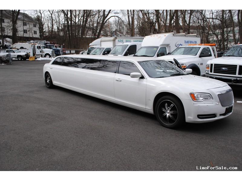 Used 2013 Chrysler 300M Sedan Stretch Limo Quality Coachworks - Westwood, New Jersey    - $42,000