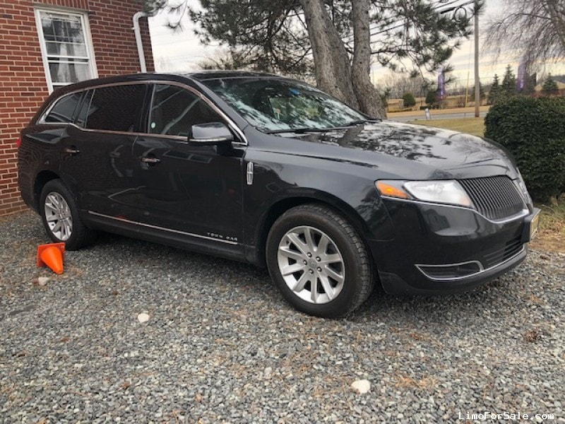 Used 2015 Lincoln Sedan Limo  - Monroe Twp, New Jersey    - $11,900