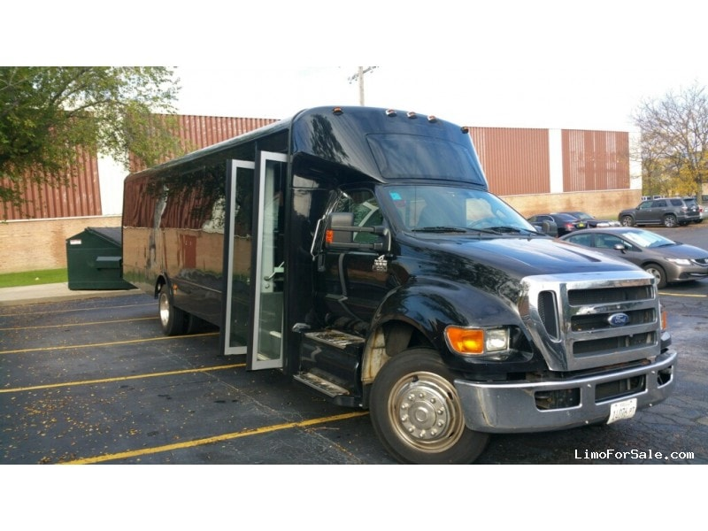 Used 2012 Glaval Bus Legacy Mini Bus Shuttle / Tour Global Motor Coach - Park ridge, Illinois - $42,000