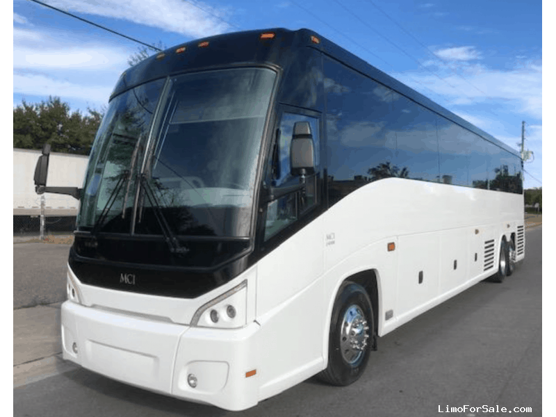 Used 2014 MCI Motorcoach Shuttle / Tour  - Orlando, Florida