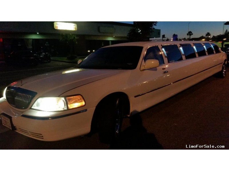 Used 2005 Lincoln Town Car Sedan Stretch Limo  - Orange, California - $14,900