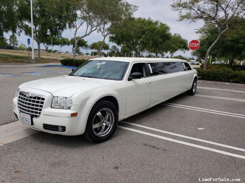 Used 2006 Chrysler 300 Sedan Stretch Limo Executive Coach Builders - Orange, California - $15,900