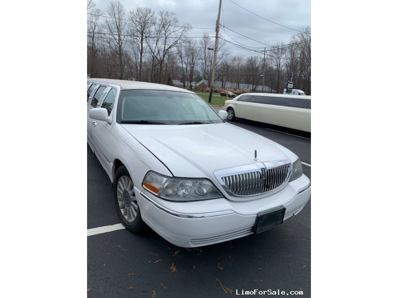 Used 2005 Lincoln Continental Sedan Stretch Limo  - Mentor-on-the-Lake, Ohio - $11,000