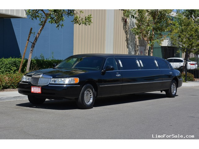 used 2001 lincoln town car sedan stretch limo krystal. Black Bedroom Furniture Sets. Home Design Ideas