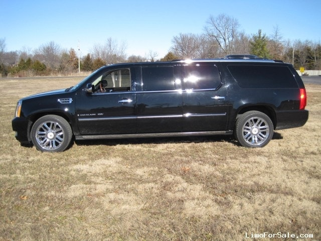 used 2009 cadillac escalade suv stretch limo executive coach builders seminole florida. Black Bedroom Furniture Sets. Home Design Ideas