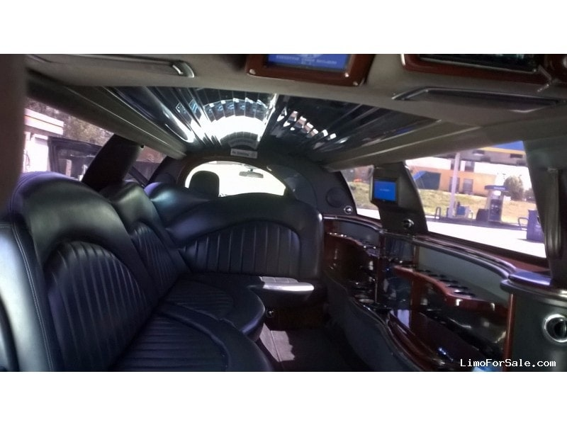 used 2007 lincoln town car sedan stretch limo executive. Black Bedroom Furniture Sets. Home Design Ideas