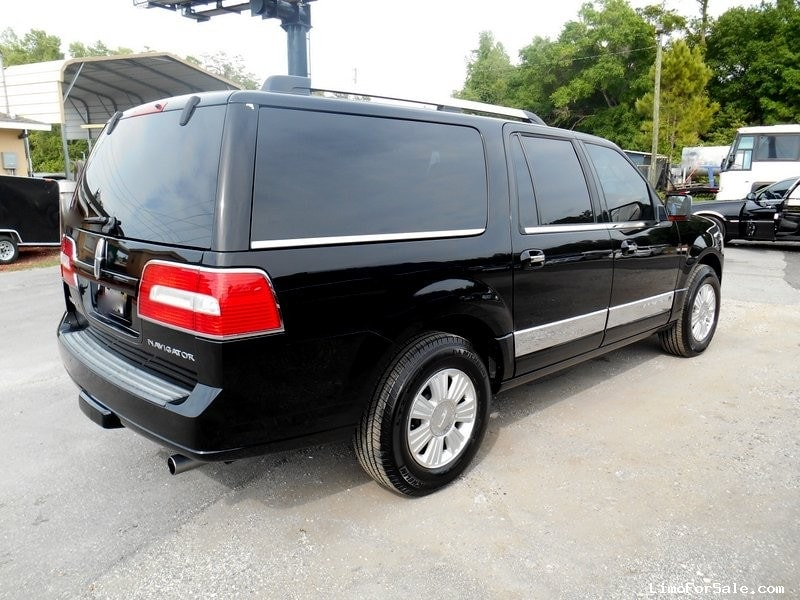 used 2012 lincoln navigator suv limo seminole florida 29 900 limo for sale. Black Bedroom Furniture Sets. Home Design Ideas