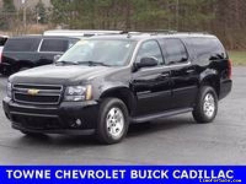 used 2013 chevrolet suburban suv limo orchard park new york 21 995 limo for sale. Black Bedroom Furniture Sets. Home Design Ideas