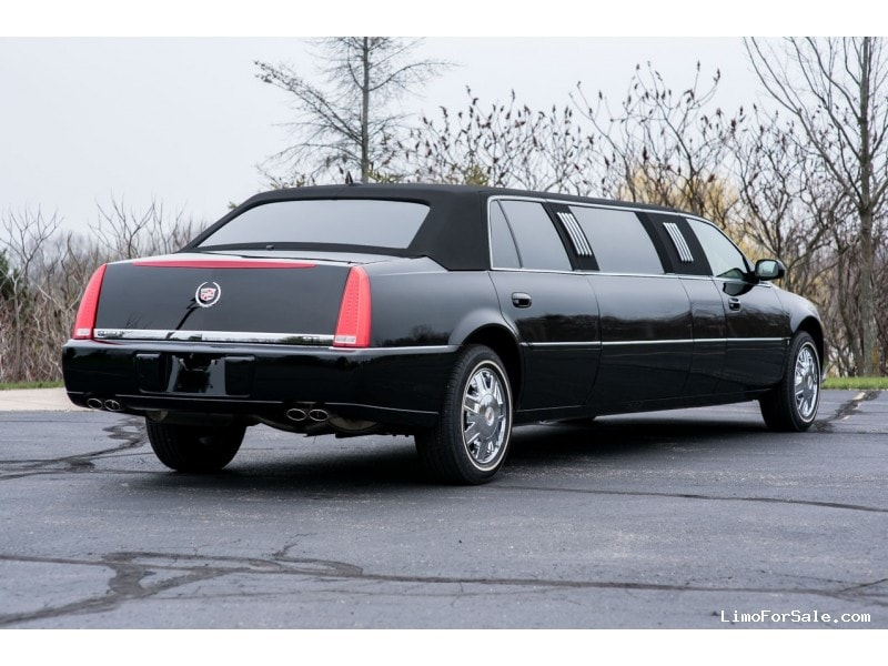 Used 2008 Cadillac DTS Sedan Stretch Limo LCW - Grand Rapids, Michigan
