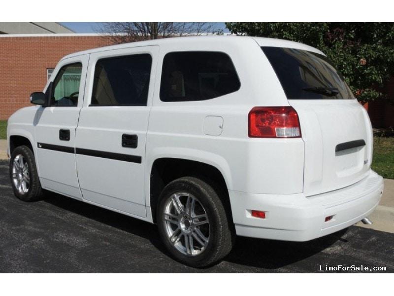 new 2014 mobility ventures mv 1 van shuttle tour kankakee illinois 33 500 limo for sale. Black Bedroom Furniture Sets. Home Design Ideas