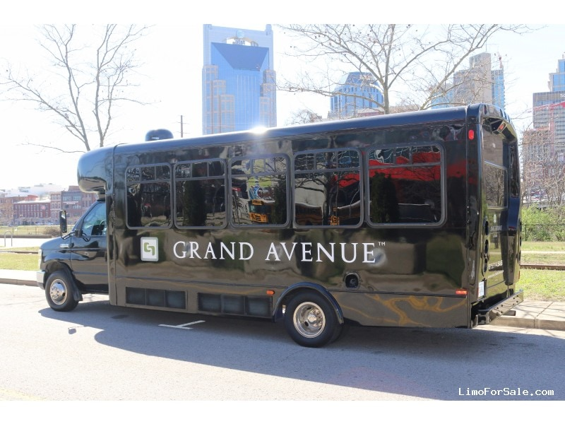 Used 2008 Ford E-450 Mini Bus Limo StarTrans - Nashville, Tennessee - $40,000