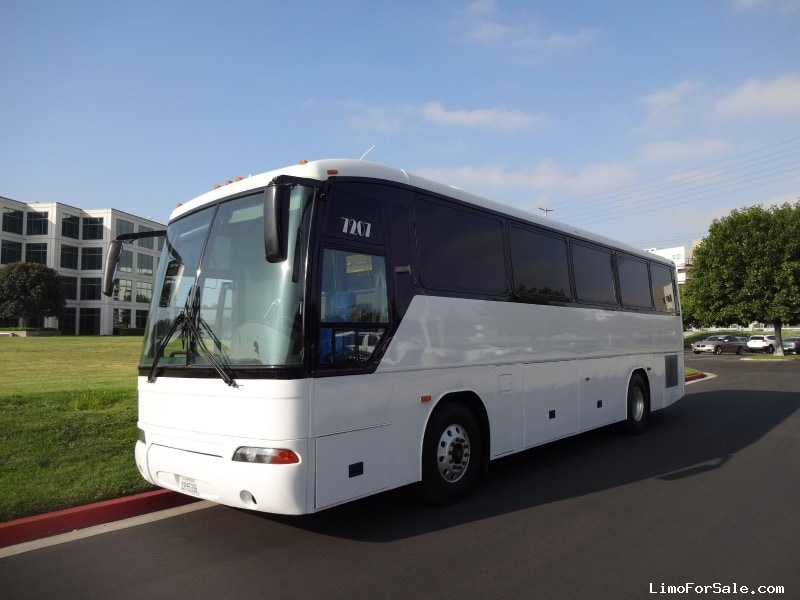 Used 2001 MCI D Series Motorcoach Limo CT Coachworks - Irvine, California - $69,900