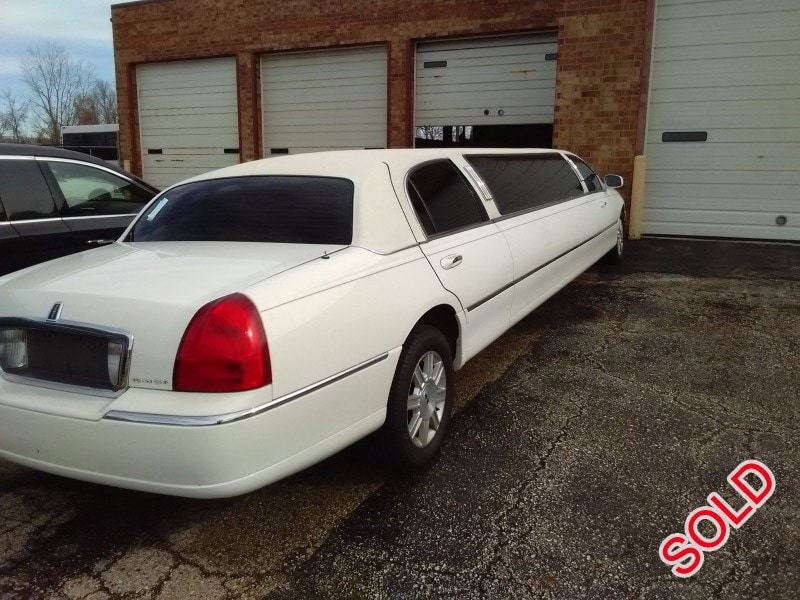 Used 2006 Lincoln Town Car Sedan Stretch Limo Springfield - Winona, Minnesota - $9,500