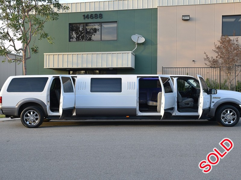 Used 2004 Ford Excursion SUV Stretch Limo LCW - Valley View, Texas - $14,900