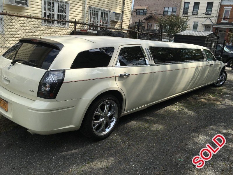 Used 2006 Dodge Magnum Sedan Stretch Limo Westwind - Brooklyn, New York    - $6,500