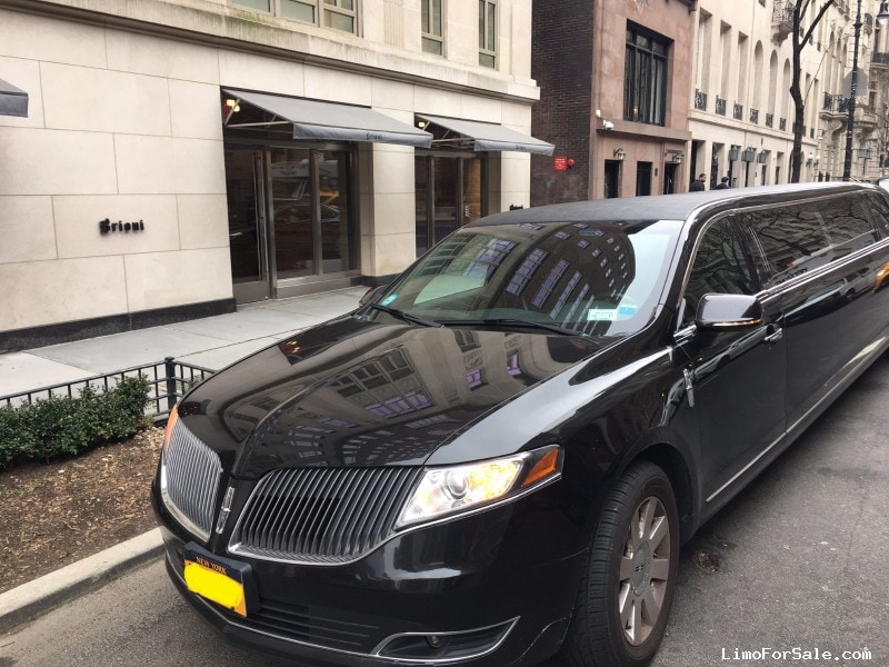 Used 2013 Lincoln MKT Sedan Stretch Limo Executive Coach Builders - Brooklyn, New York    - $38,000
