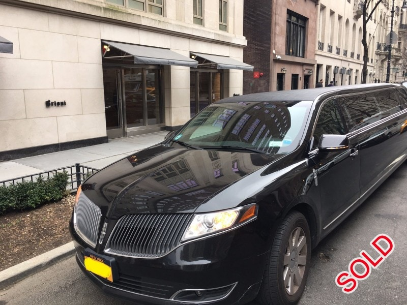 Used 2013 Lincoln MKT Sedan Stretch Limo Executive Coach Builders - Brooklyn, New York    - $28,000
