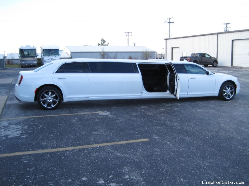 Used 2016 Chrysler 300 Sedan Stretch Limo Springfield - Ozark, Missouri - $65,000
