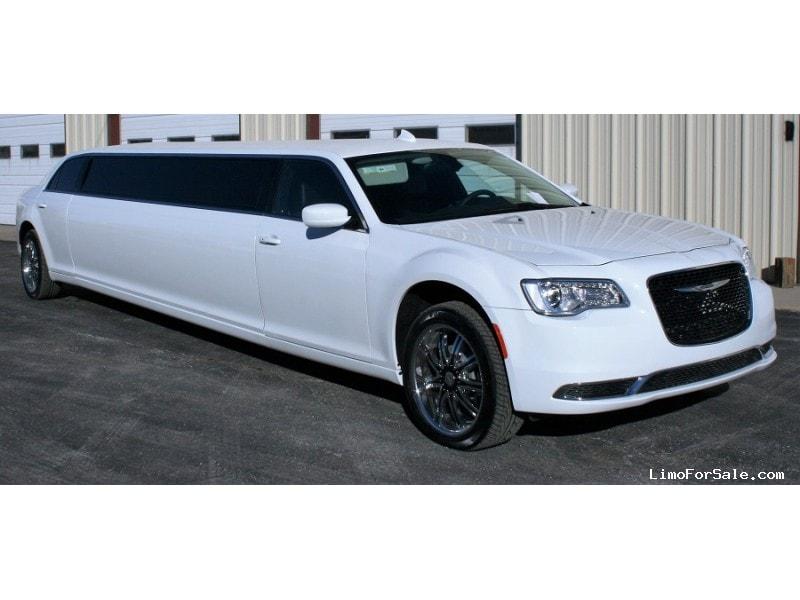New 2018 Chrysler 300 Sedan Stretch Limo Springfield - springfield, Missouri - $74,900