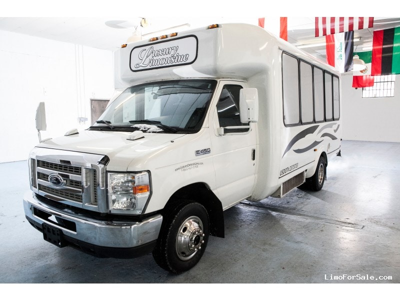 Used 2008 Ford E-450 Mini Bus Limo American Custom Coach - southfield, Michigan - $35,000