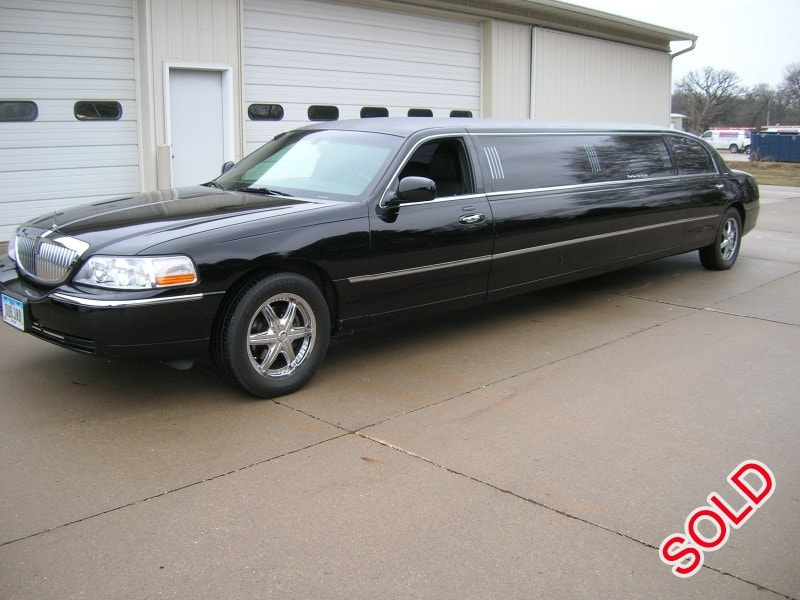 Used 2006 Lincoln Town Car L Sedan Stretch Limo Executive Coach Builders - Adel, Iowa - $16,900