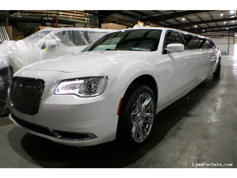 New 2019 Chrysler Sedan Stretch Limo Springfield - springfield, Missouri - $73,900