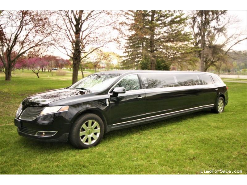Used 2016 Lincoln MKT Sedan Limo Executive Coach Builders - Winona, Minnesota - $36,500